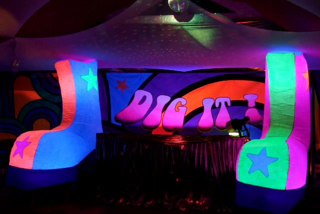 70s seventies party backdrops and decor for Decoration 70s party